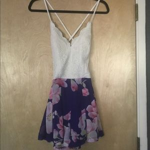 Shorts romper size small - like new